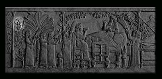 نقش برجسته آشوربانیپال که بر تخت پادشاهی نشسته که از پیروزی بر عیلام سرخوش است