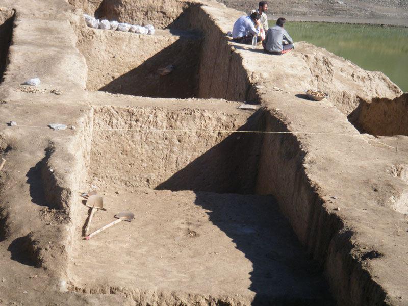کاوش های باستانشناسی گونسپان تپه ملایر 1389
