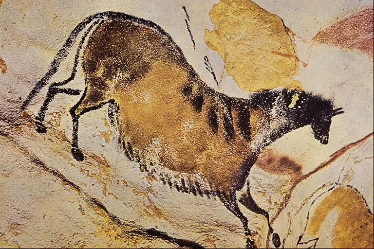 تصویر 6- دوره پارینه سنگی:نقش اسب غار لاسکو فرانسه 15 تا 10 هزار پیش