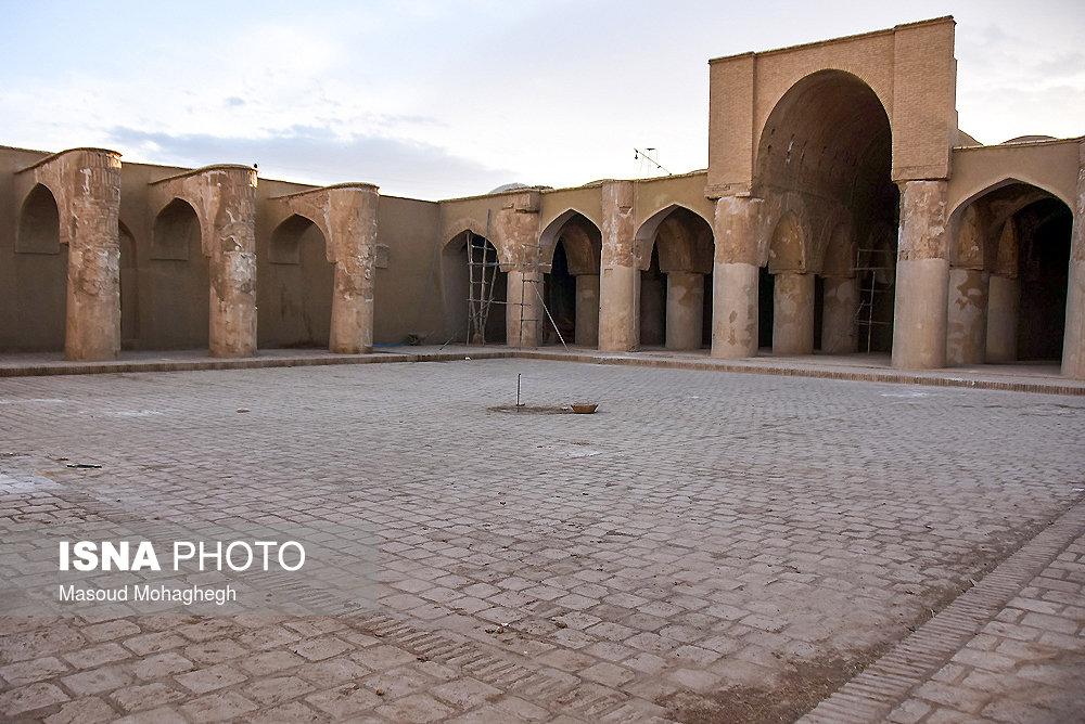 مسجد «تاريخانه» دامغان يكي از نخستين مساجد در ايران و از قديمي ترين بناهاي صدر اسلام است