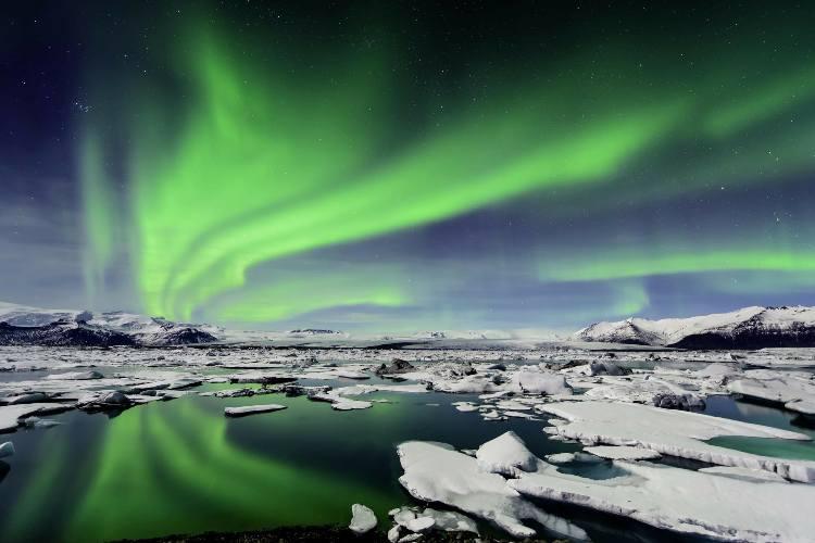 هشت جای فوق العاده دنیا برای رصد شفق قطبی (ایسلند)