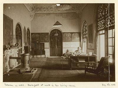 ارنست هرتسفلد در عمارت مسعودیه