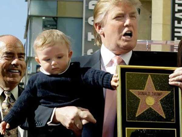 بارون وقتی سه ساله بود – به همراه پدر در لس آنجلس منبع